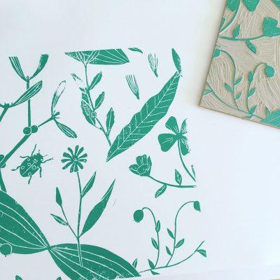 Papier peint motifs dimensions sur mesure imprimé à la main au bloc en France par Inkrée.